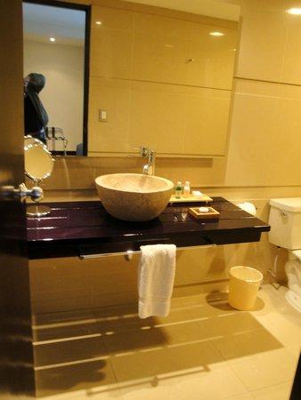 Sonesta Hotel Cusco: El lavatorio