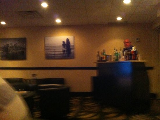 Holiday Inn Express Mentor (Lamalfa Conference Center): Night cap