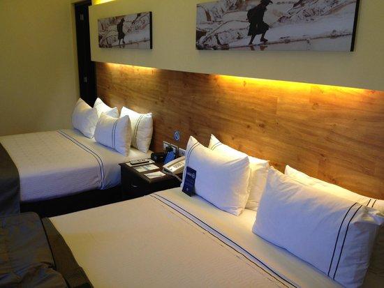 Sonesta Hotel Cusco: Una vista de las dos camas