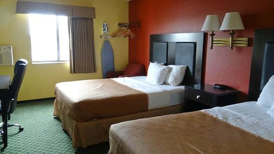 Howard Johnson New Braunfels : the room