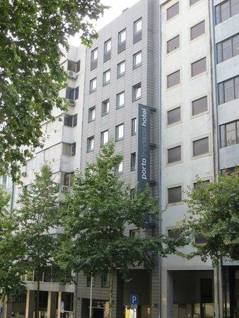 Hotel Porto Trindade: Hotel desde la calle