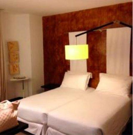 Hotel Porto Trindade: Habitación - cama