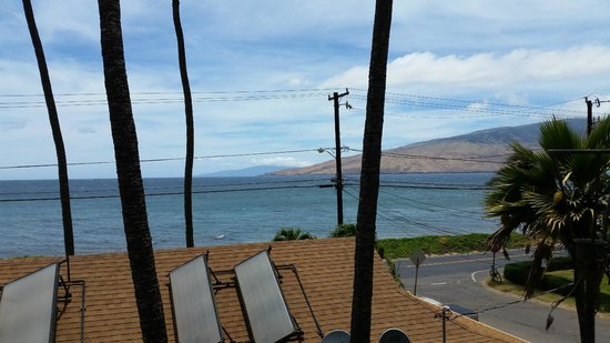 Maui Sunseeker LGBT Resort: View outside our room