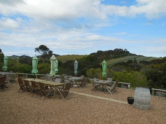 Isla Waiheke, Nueva Zelanda: Peacock Sky view from the Cellar Door.