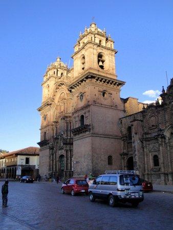Plaza de Armas (Huacaypata): Las torres con las campanas