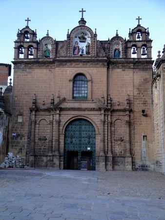 Plaza de Armas (Huacaypata) : Imponente
