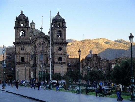 Plaza de Armas (Huacaypata) : La puesta del sol