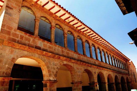 JW Marriott El Convento Cusco: Fachada lateral do Hotel