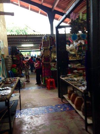 Sunday Market : A quiet stroll through the market midweek.