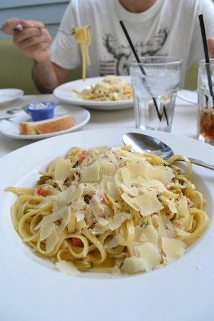 The Cottage La Jolla : Fettuccini + Lump Crab