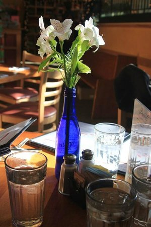 Moosewood Restaurant : A nicely decorated table