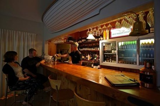 Great Barrier Lodge: The Bar