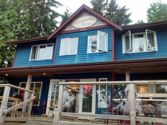 Cynamoka Coffee House: Cynamoka