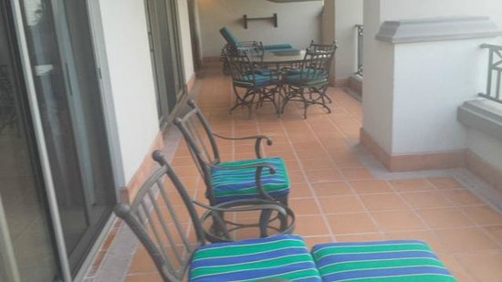 Pueblo Bonito Sunset Beach Golf & Spa Resort: Huge patio