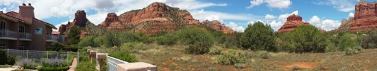 Canyon Villa Bed and Breakfast Inn of Sedona: panorama view from pool