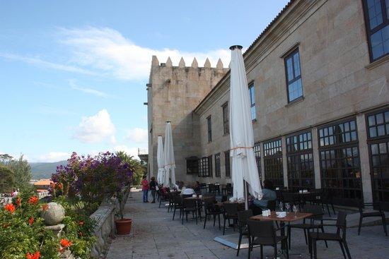 Parador de Baiona: Baiona - Terraza de la cafeteria del Parador de Turismo Conde de Gondomar