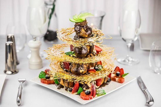 Allure on Currumbin : Our famous croquembouche.