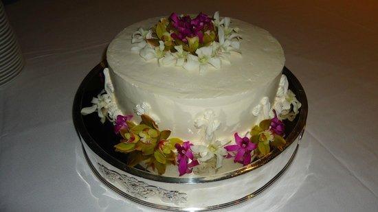Mauna Kea Beach Hotel, Autograph Collection: Wedding cake