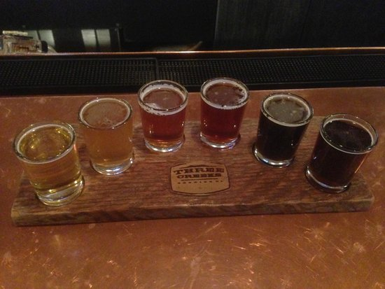 Three Creeks Brewing: Sampler at Three Creeks Brewery