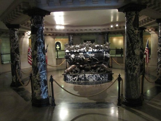 U.S. Naval Academy : In the Chapel Crypt, pay a visit to John Paul Jones' resting place