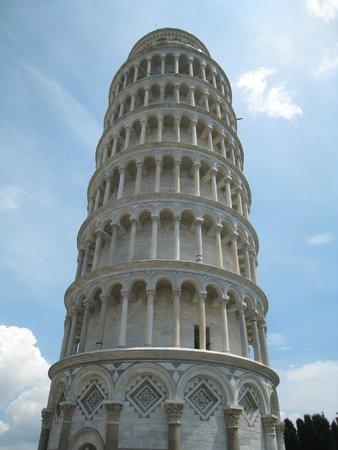 La tour de Pise (Campanile) : looking up