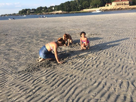 Clam Digging Picture Of Wingaersheek Beach Gloucester Tripadvisor