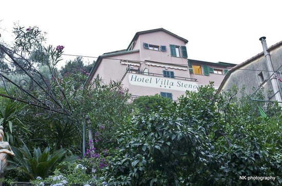 Hotel Villa Steno: A view from the street