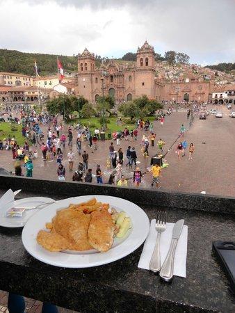 Plaza de Armas Cusco Hotel: Almoço com vista para a Plaza de Armas