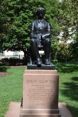 Virginia Capitol Building: Edgar Allan Poe