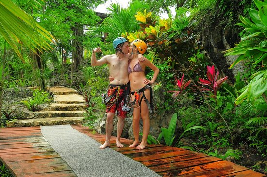 Mayan Jungle Tour: They make you pose it's too funny!