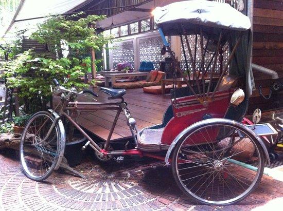 Phranakorn-Nornlen Hotel: The beautiful vintage Tuk-Tuk