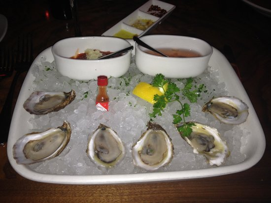Nove : Oysters half shell