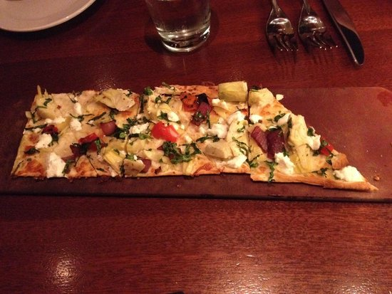 Seasons 52: Artichoke flat bread