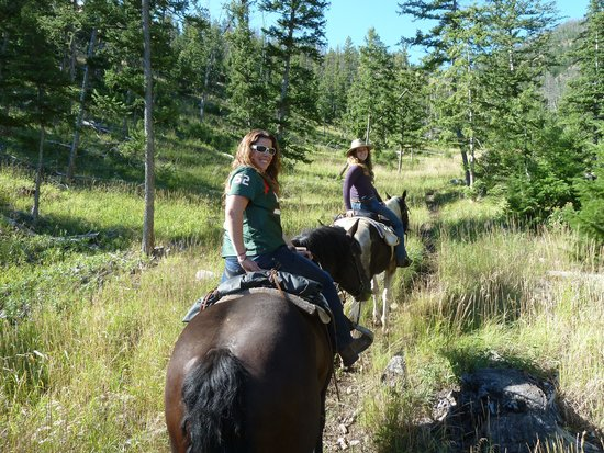 Crossed Sabres Ranch: trail ride