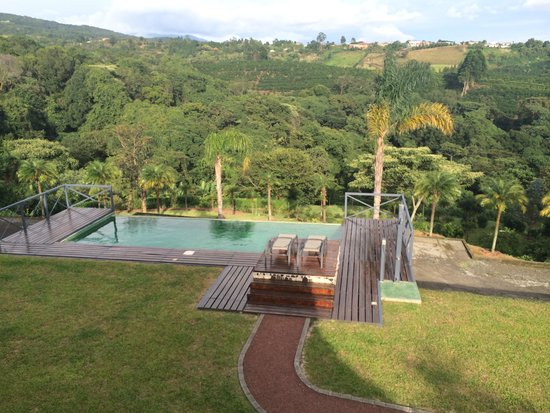 Hotel Mango Valley: Pool and Valley