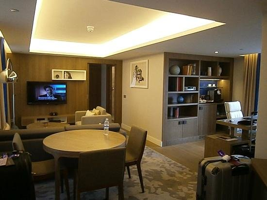 Hilton Stockholm Slussen: lounge and dinning area in my suite