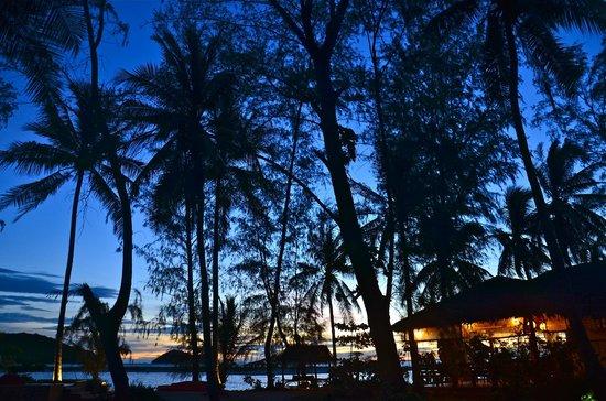 Baan Manali Resort : Abendstimmung