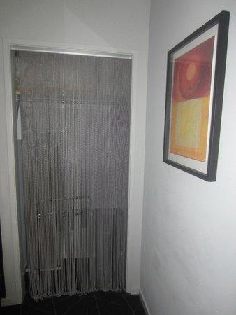 Hotel Diva: Closet