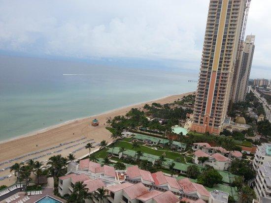 Trump International Beach Resort: Vista do quarto