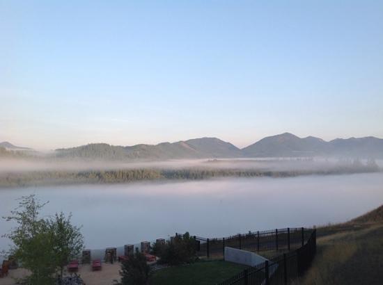 Suncadia Resort: sunrise from our room