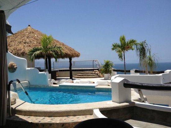 Ocho Cascadas: villa 3 from living room