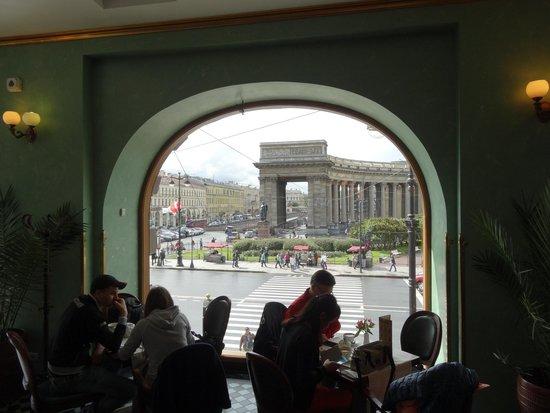 Singer Cafe : Ventanal sobre Av Nevsky
