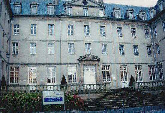 Musée de la Tapisserie de Bayeux : The Entrance