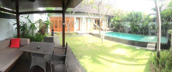 The Samaya Bali Seminyak : Exterior view of garden with pool