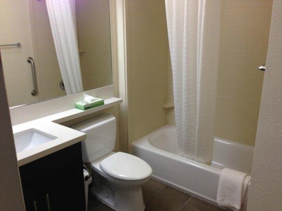 Candlewood Suites Arundel Mills / BWI Airport: Bathroom