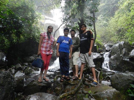 Banasura Hill Resort: waterfall at 400 meters