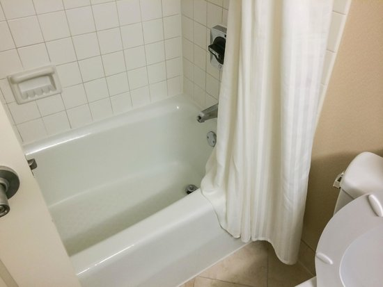 Anaheim Marriott Suites: Tub