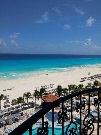 Hyatt Zilara Cancun: Vista única inigualable.  Un lujo despertar así y ver esto
