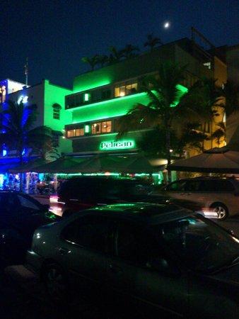 Pelican Hotel: Вечерний отельчик