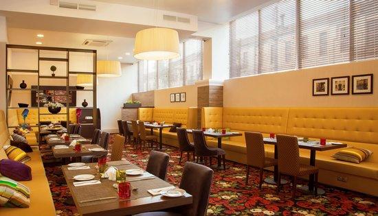 Hilton Garden Grill & Bar